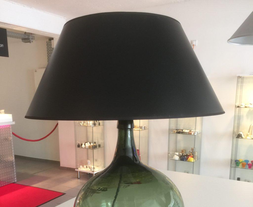 aus einer weinballon flasche eine lampe bauen radio. Black Bedroom Furniture Sets. Home Design Ideas
